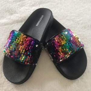 NWOT Steve Madden Girls Slides
